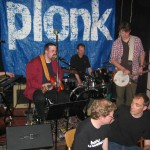 "Poulaphooka gästas av Plonk i ""Song about love"""