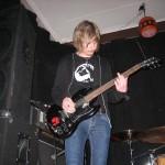 Jimmy Davidsson med en gitarr modell SG