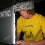 Goes Calypso – alias Erik från Ask – flög in från Los Angeles på onsdagen, stämde datorn på torsdagen och framförde uppskattad elektronika på lördagen.